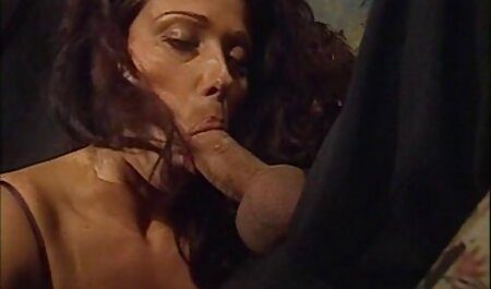 The young girl mom and son xxx video lose the card, and sex with old man