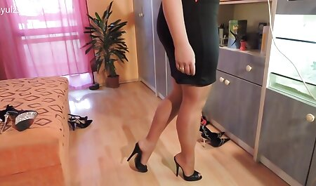 Girl, sex18 glasses, finished in chat sex private Bongacams.