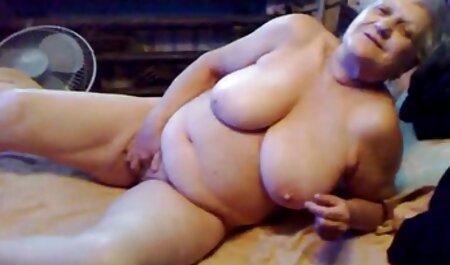 Chick free hd porn videos sucks and masturbates the male organ in the bongacams private