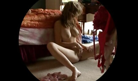 Alexa grabbed a man's cock and quickly porn huv sucked it through the hole in the wall
