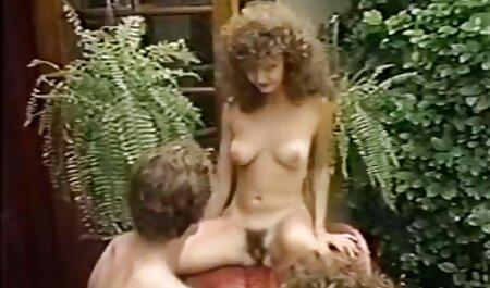 Catwoman masturbates pussy and arab porn suck yalda on camera