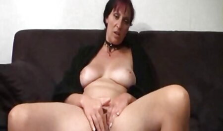 Girls stimulate the hindi porn clitoris during sex.