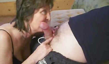 Stepmother menggastikan stepdaughter sex mia khalifa sexy video with her boyfriend.